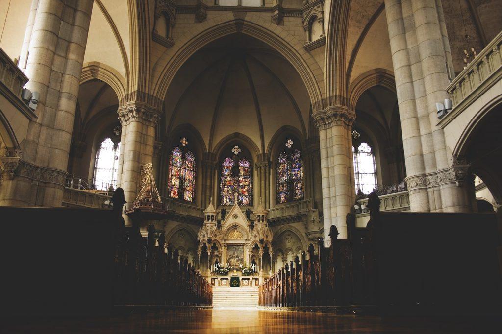 Are Irish people religious?